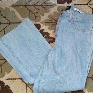 Sz 14 NYDJ lite blue lift tuck boot cut jeans